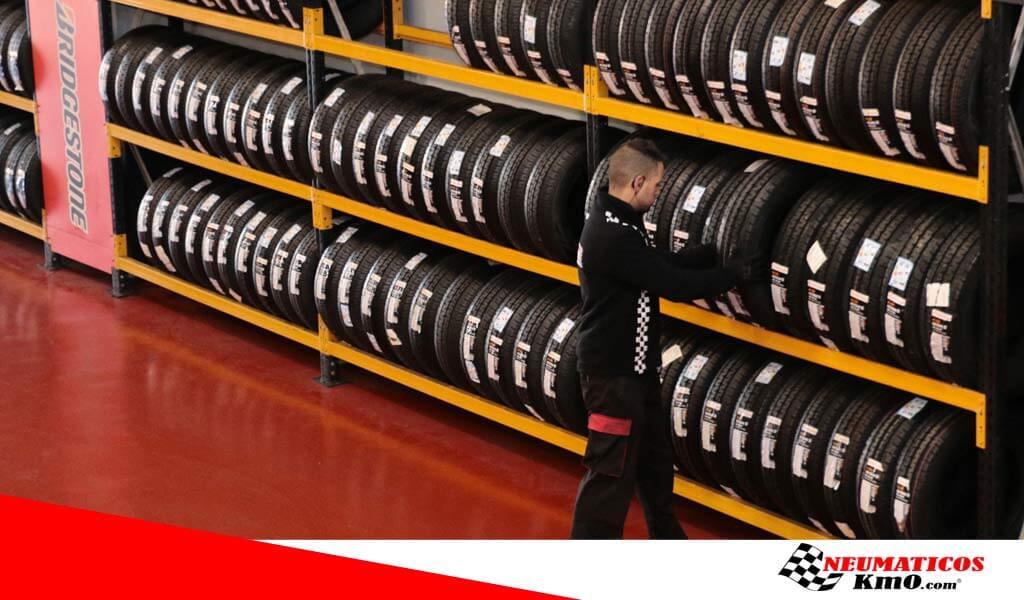 como comprar neumáticos