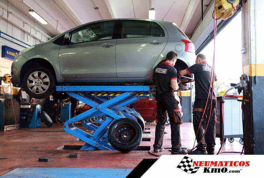 Cambiar ruedas Toyota Yaris